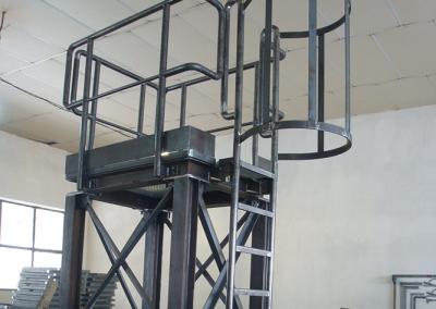 Метална стълба по поръчка