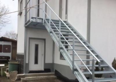 Производство на метални стълби