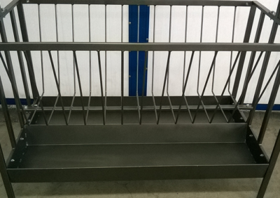 Производство на метални хранилки