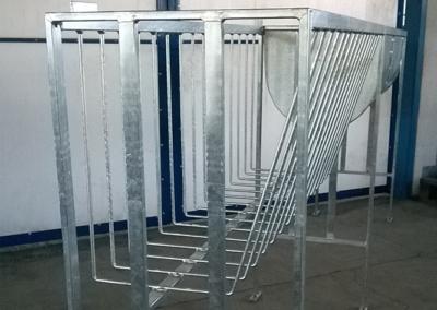 Производство на хранилки за отглеждане на телета